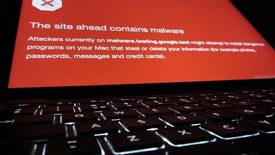 El mensaje de Google que aparece cuando un sitio web tiene malware